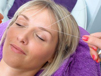 wenkbrauwen epileren met touw - Beautyhouse Rotterdam