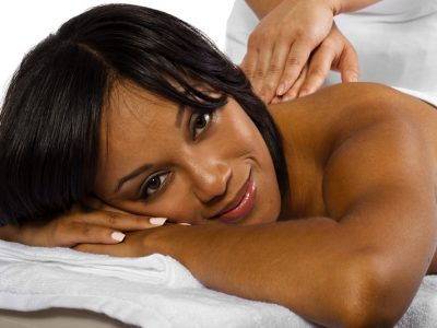 Massagebehandeling in beautysalon - Beautyhouse Rotterdam